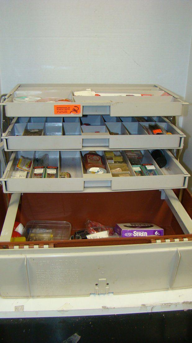 PLANO 727 TACKLE BOX & CONTENTS