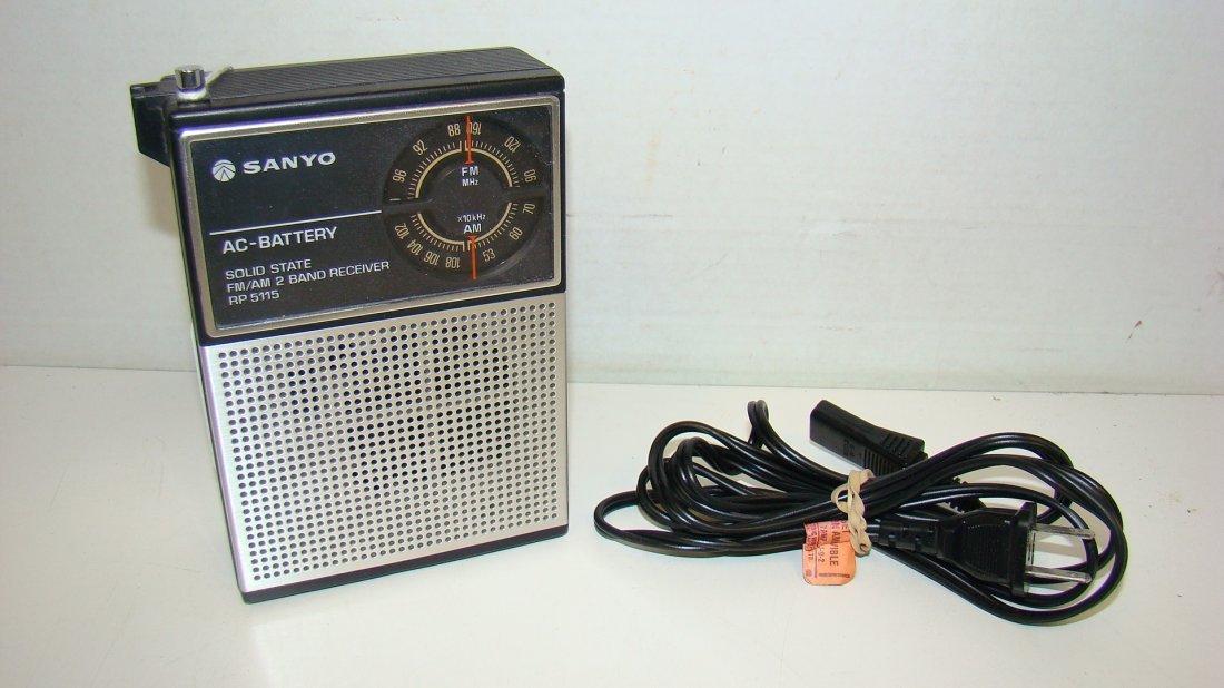SANYO RP 5115 2 BAND RECIEVER RADIO