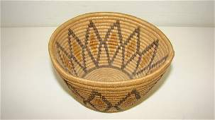 SMALL ANTIQUE NATIVE AMERICAN BASKET
