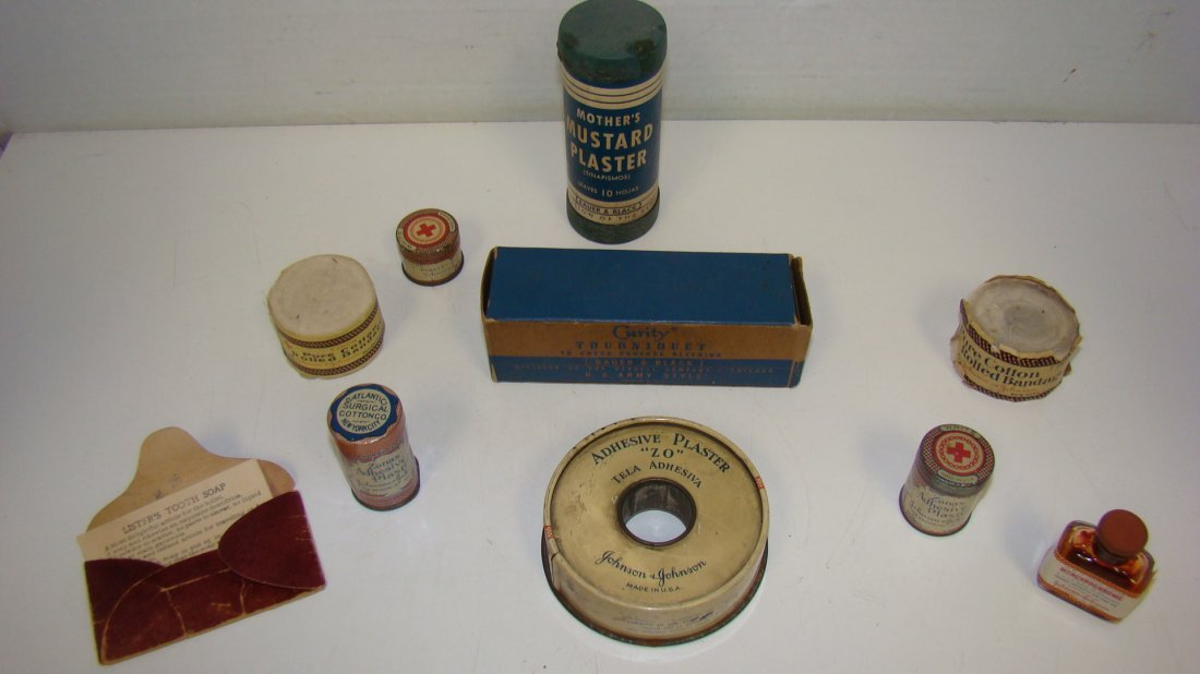 10 VARIOUS VINTAGE JOHNSON & JOHNSON FIRST AID ITEMS4