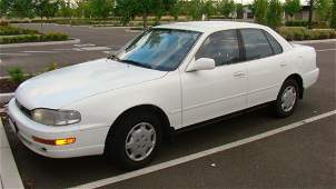 1994 TOYOTA CAMRY LE -