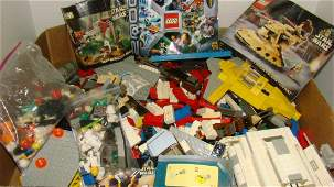LARGE BOX OF VARIOUS STAR WARS LEGOS