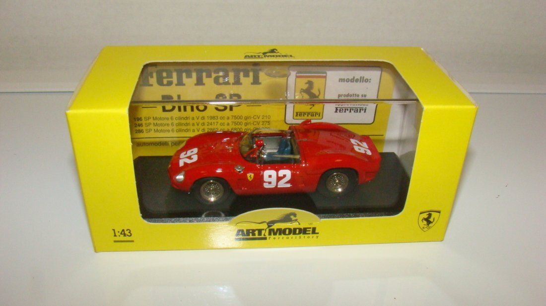 NIB ART/MODEL DIE-CAST FERRARI