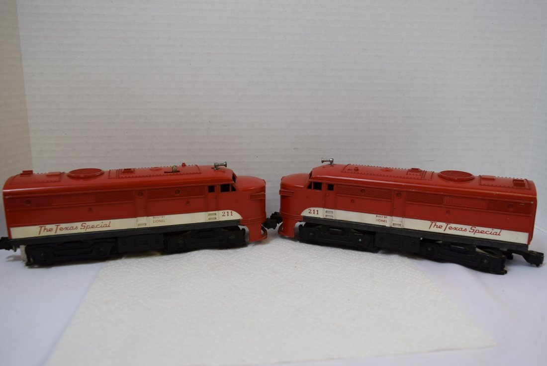 LIONEL 211 THE TEXAS SPECIAL DIESEL AND DUMMY ENGI
