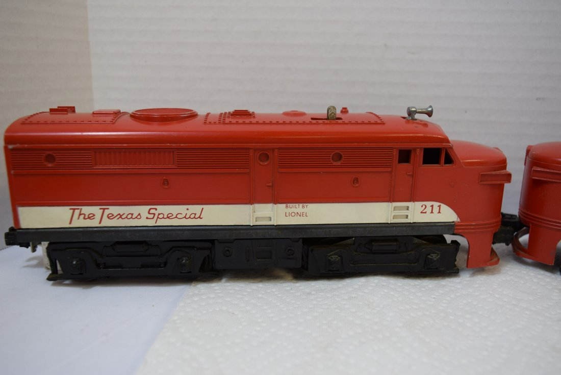LIONEL 211 THE TEXAS SPECIAL DIESEL AND DUMMY ENGI - 2