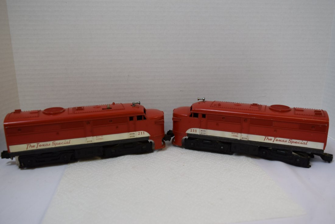 LIONEL 211 THE TEXAS SPECIAL DIESEL AND DUMMY ENGI - 3