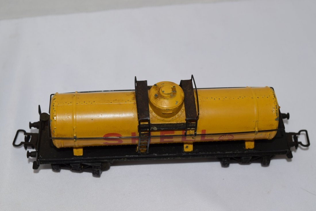 VINTAGE MARKLIN SHELL TANK TRAIN CAR 334 - 3