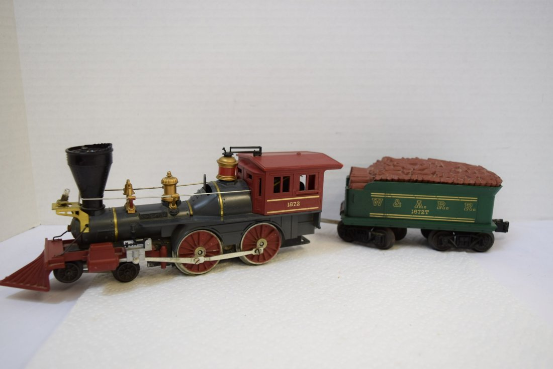 LIONEL STEAM LOCOMOTIVE TRAIN AND MATCHING TENDER