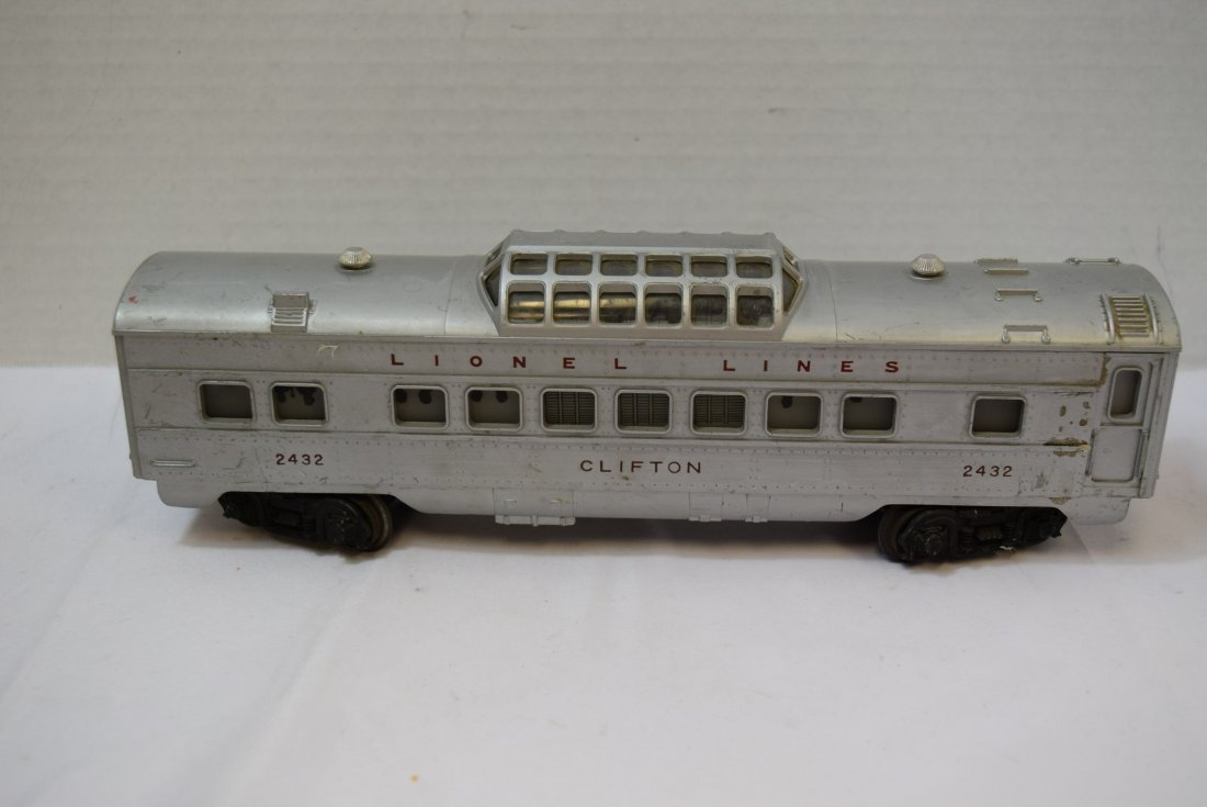 LIONEL CLIFTON LIGHTED DOMED PASSENDER CAR. 2432