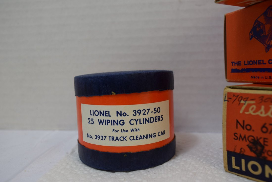 VARIOUS LIONEL TRACK ACCESSORIES AND SMOKE LAMP - 2