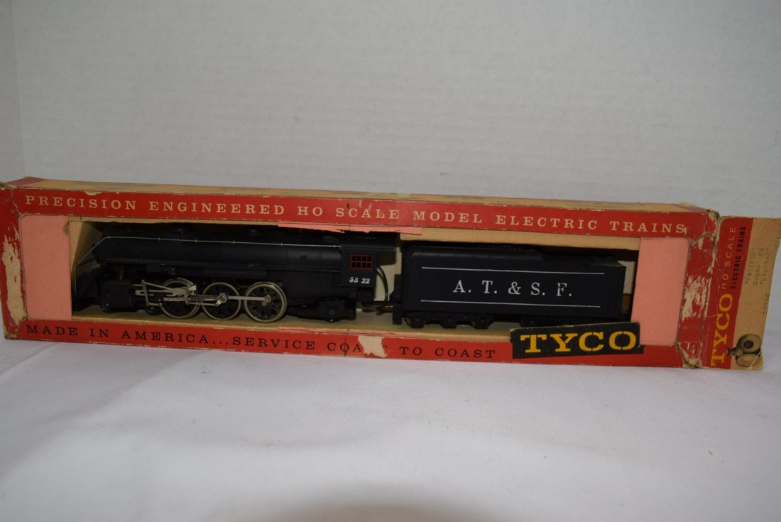 VINTAGE TYCO HO SCALE LOCOMOTIVE AND TENDER. NEW I