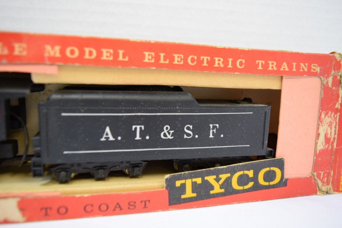 VINTAGE TYCO HO SCALE LOCOMOTIVE AND TENDER. NEW I - 3