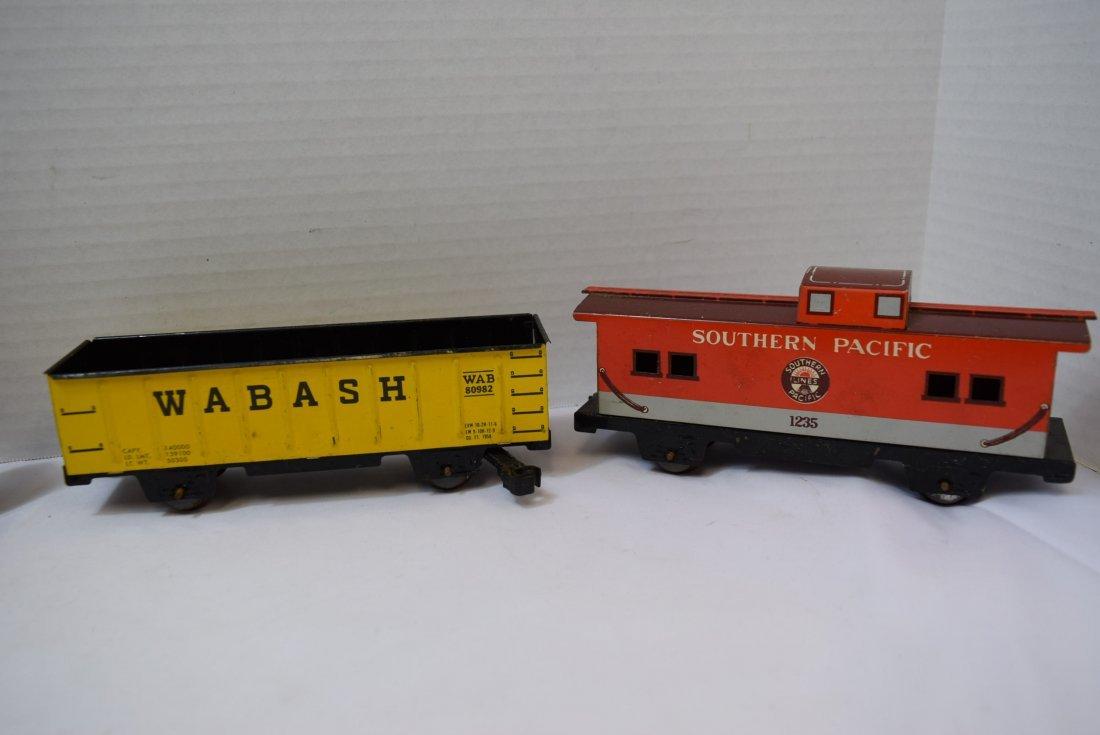 4 MARX TIN LITHO TRAIN CARS - 2