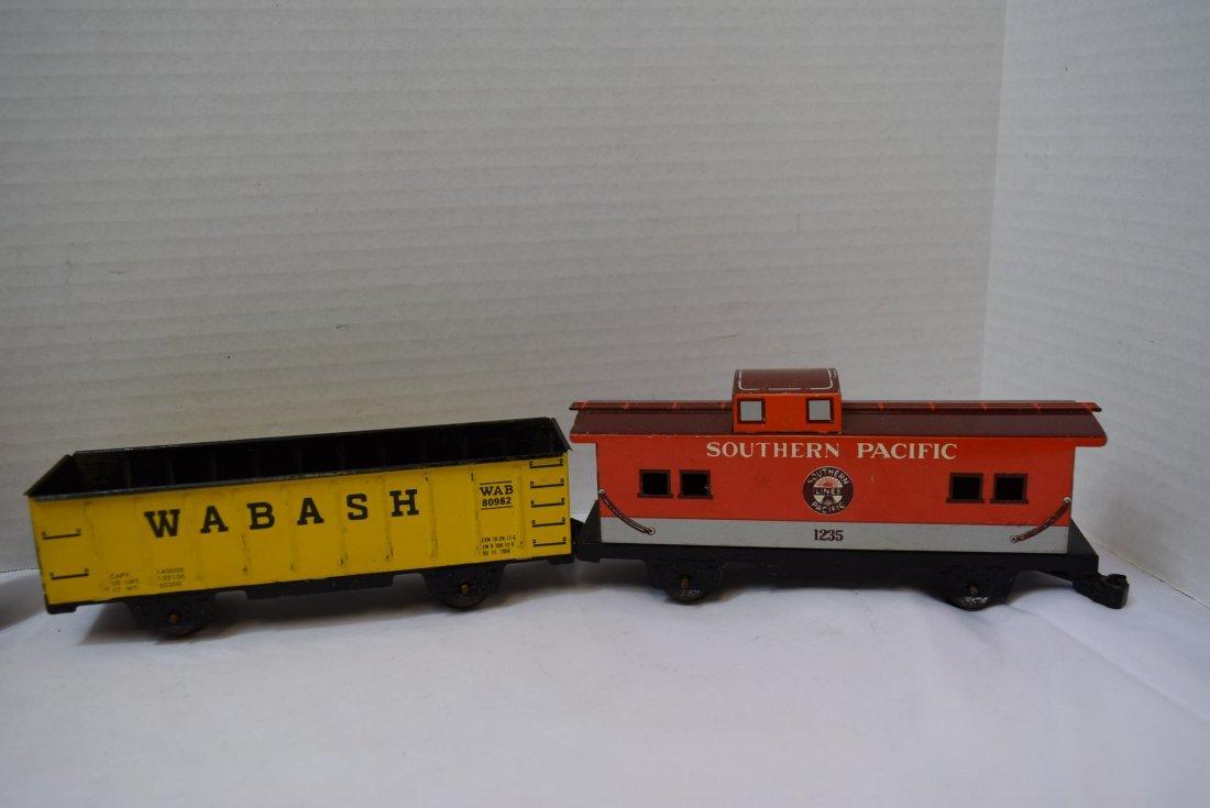 4 MARX TIN LITHO TRAIN CARS - 3