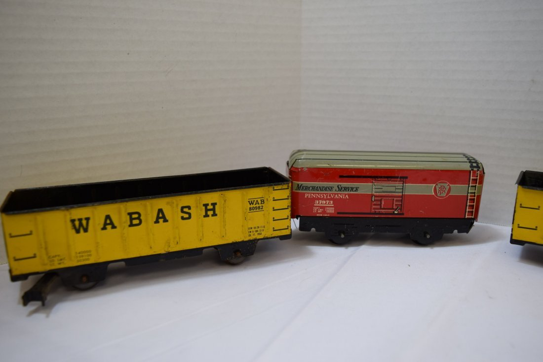 4 MARX TIN LITHO TRAIN CARS - 4