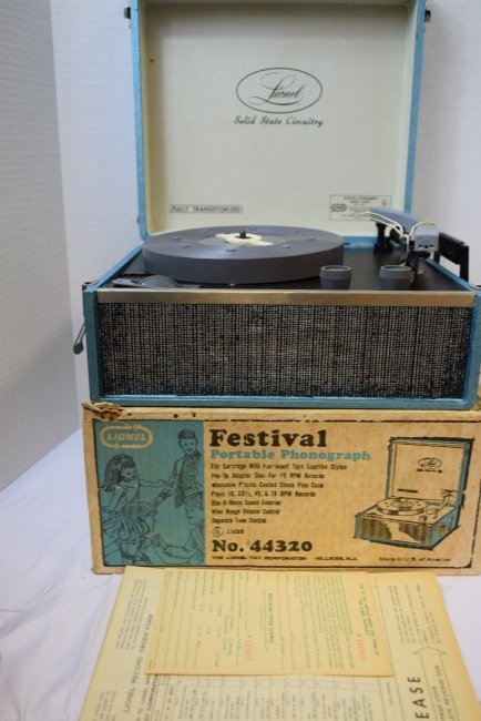 LIONEL ELECTRIC PHONOGRAPH MODEL 44320