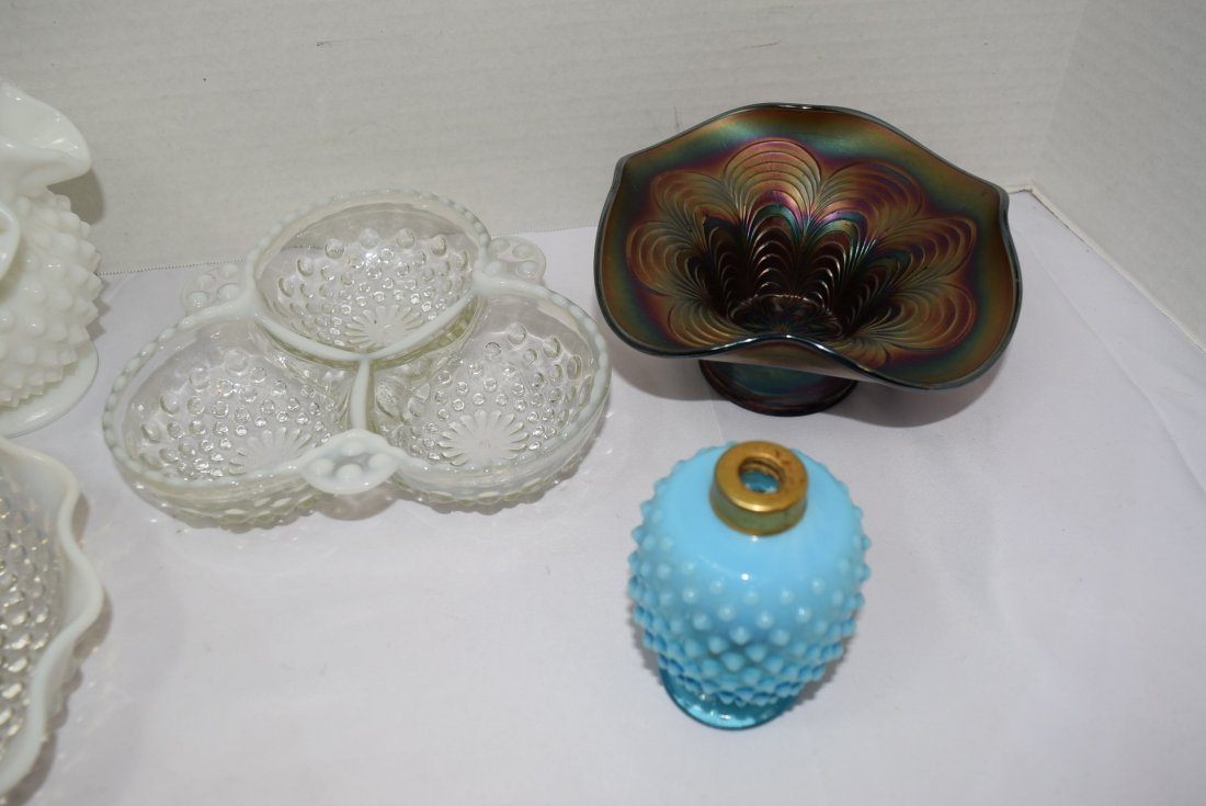 5 VARIOUS PIECES OF FENTON GLASSWARE - 2