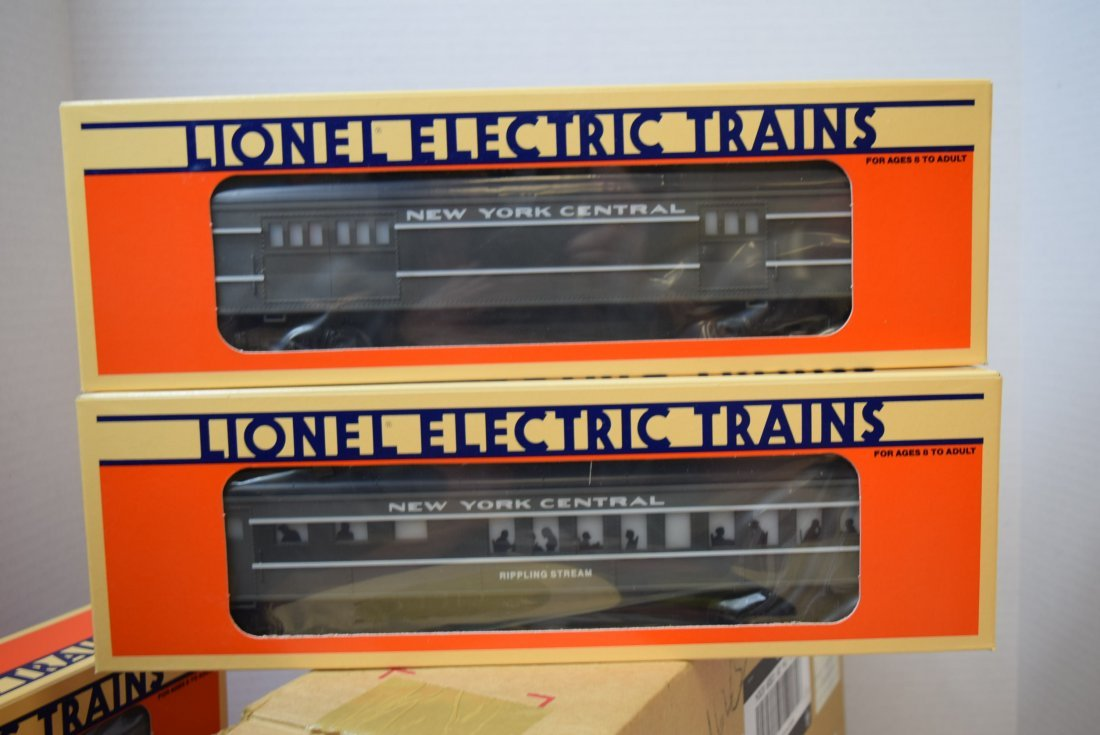 LIONEL 4 PC NEW YORK CENTRAL PASSENGER CAR SET  NE - 4
