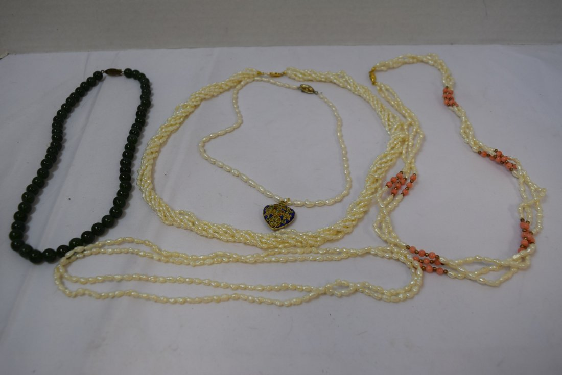 VARIOUS PEARL LIKE NECKLACES AND ONE JADE LIKE NEC