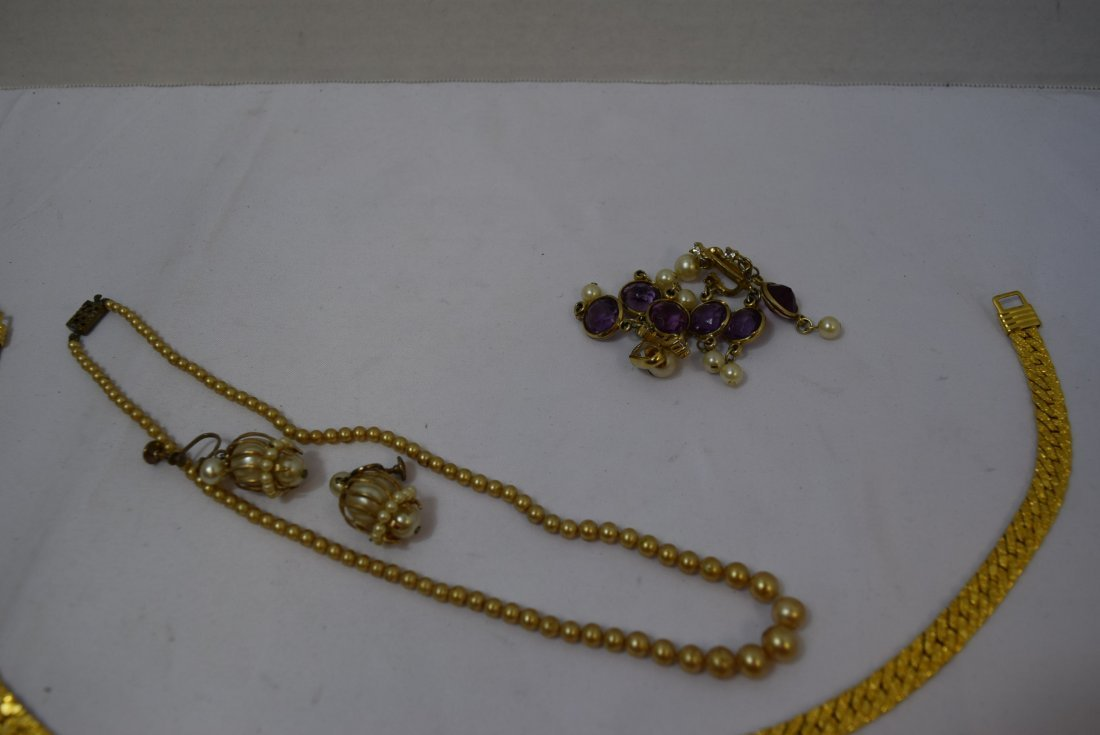VINTAGE COSTUME JEWERLY LOT - 2