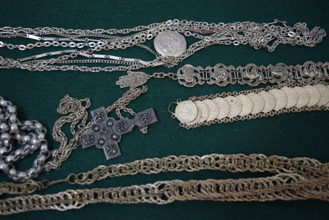 TRAY LOT COSTUME SILVER TONED JEWERLY