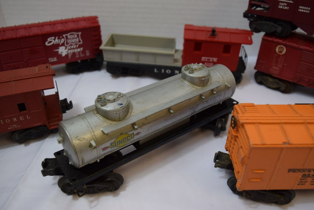 7 VARIOUS LIONEL TRAIN CARS - 4