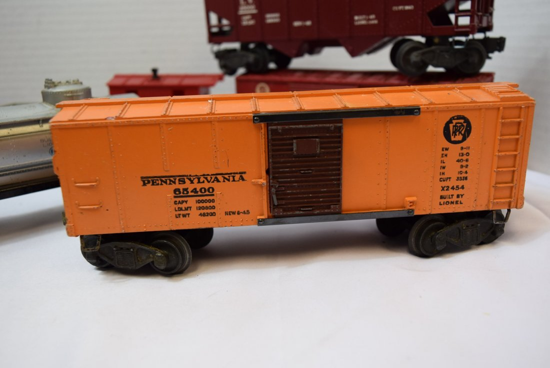 7 VARIOUS LIONEL TRAIN CARS - 5