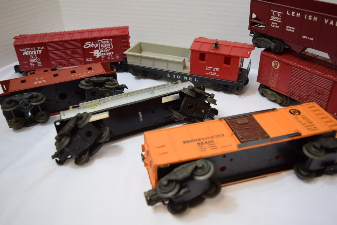 7 VARIOUS LIONEL TRAIN CARS - 6