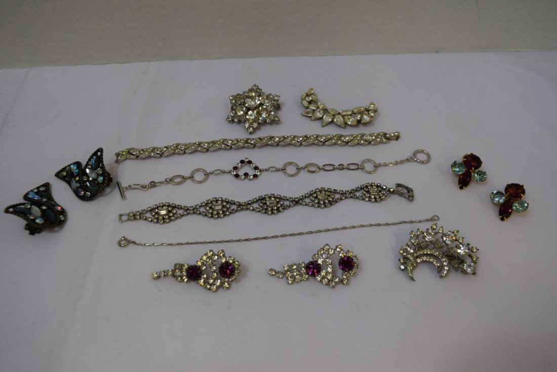 VARIOUS LOT OF JEWERLY