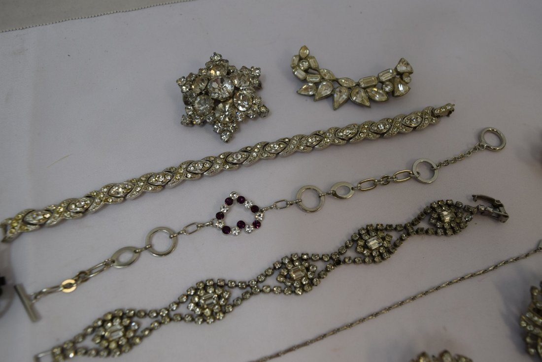 VARIOUS LOT OF JEWERLY - 2