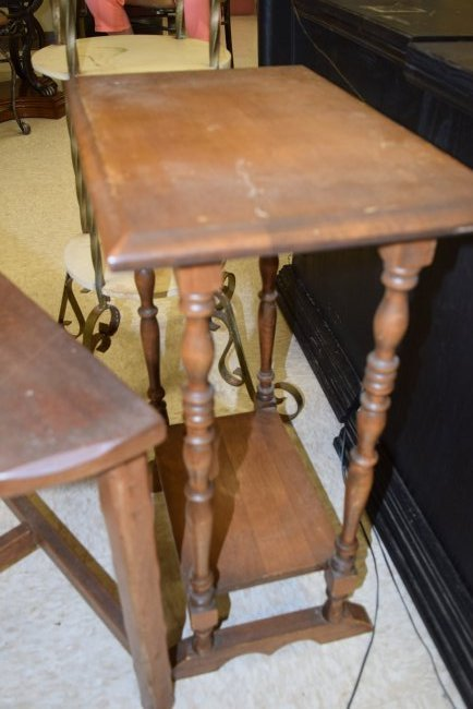 2 SMALL VINTAGE OCCASIONAL TABLES - 3