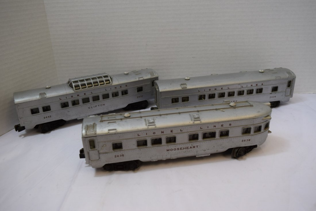3 LIONEL TRAIN LIGHTED OBSERVATION CARS