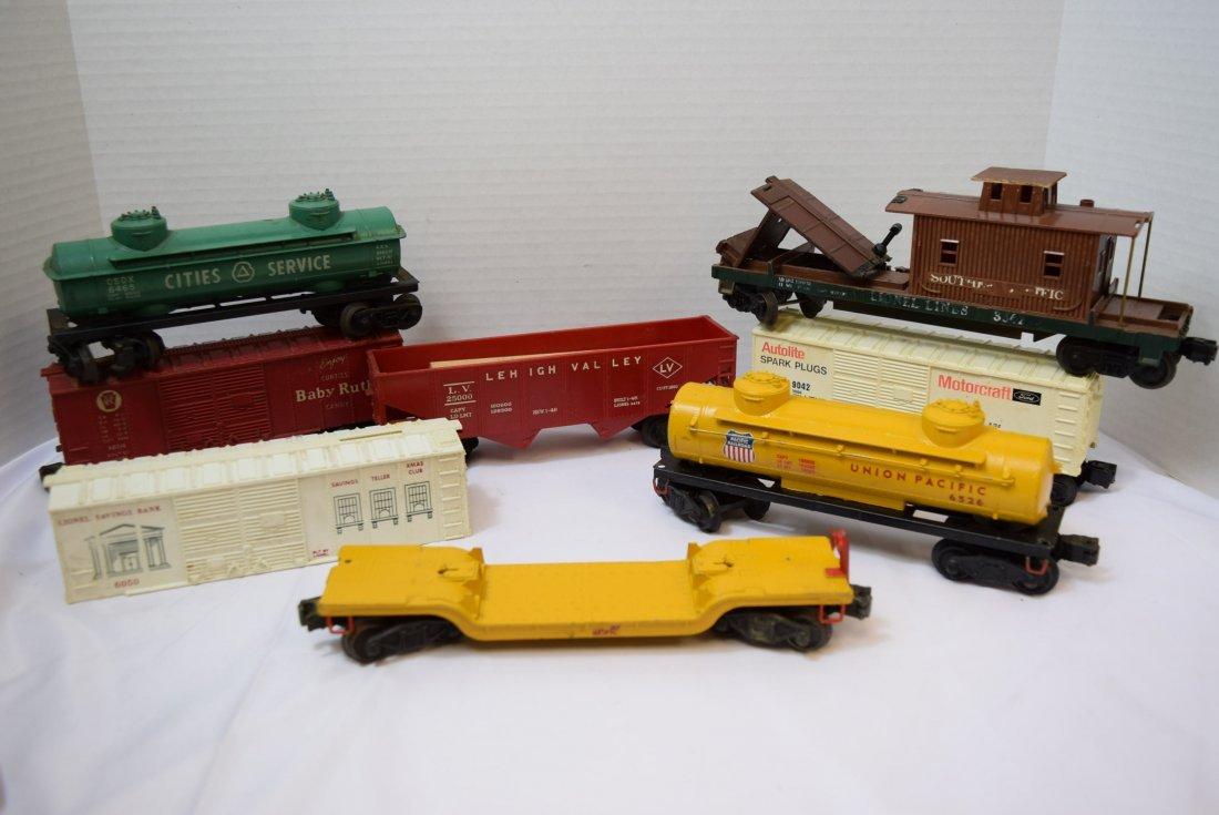 8 VARIOUS LIONEL TRAIN  CARS