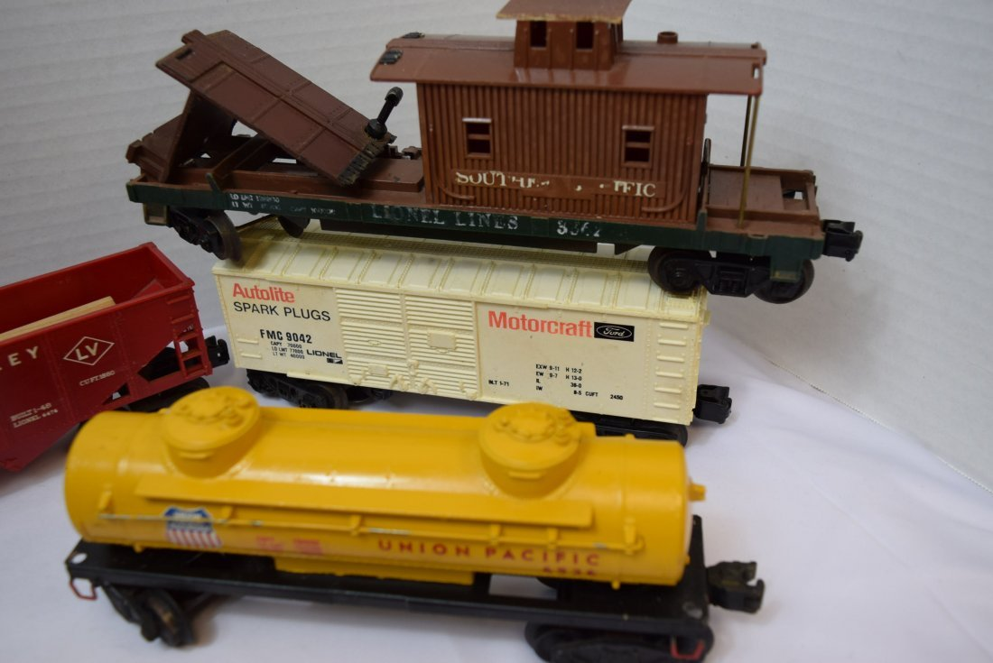 8 VARIOUS LIONEL TRAIN  CARS - 2