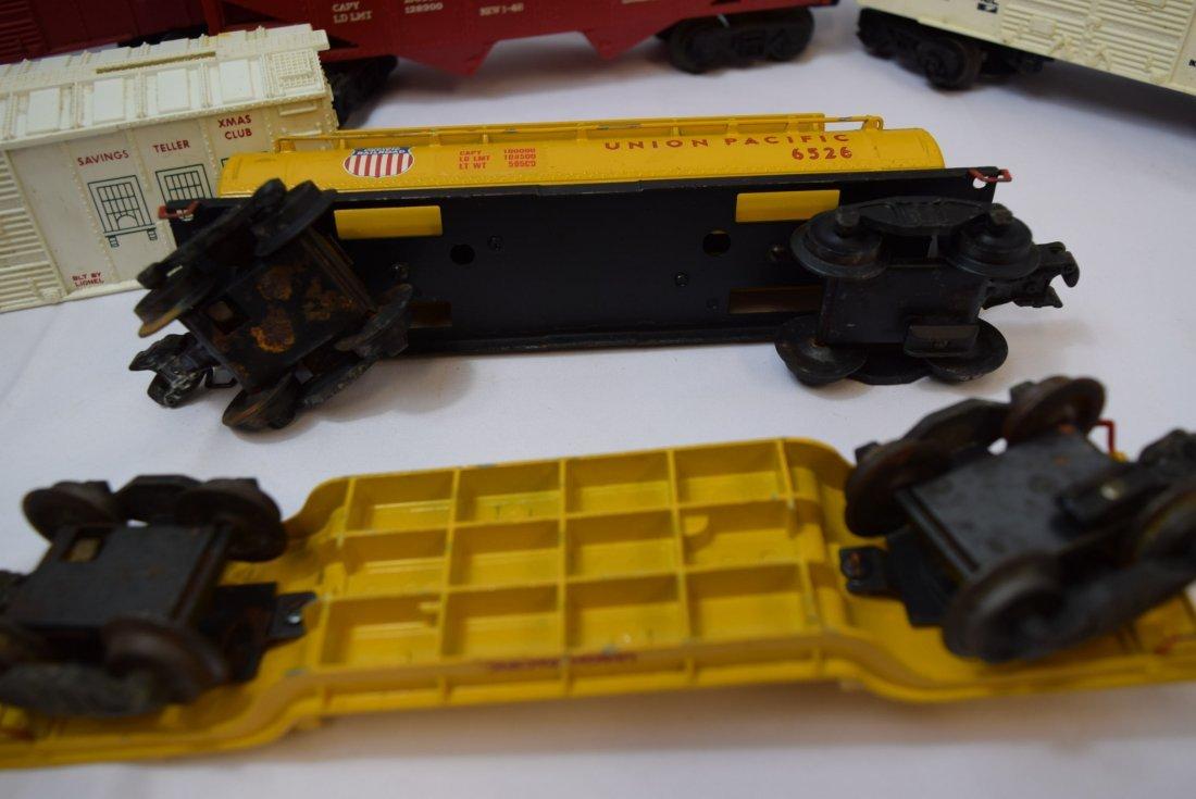 8 VARIOUS LIONEL TRAIN  CARS - 4
