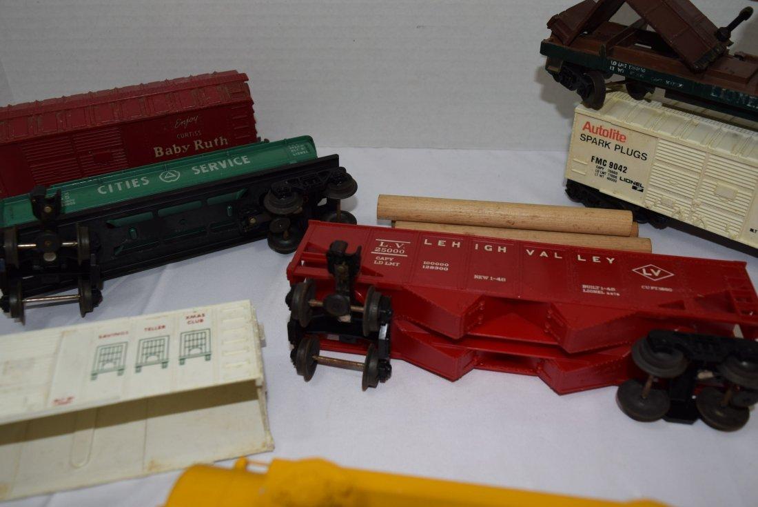 8 VARIOUS LIONEL TRAIN  CARS - 5
