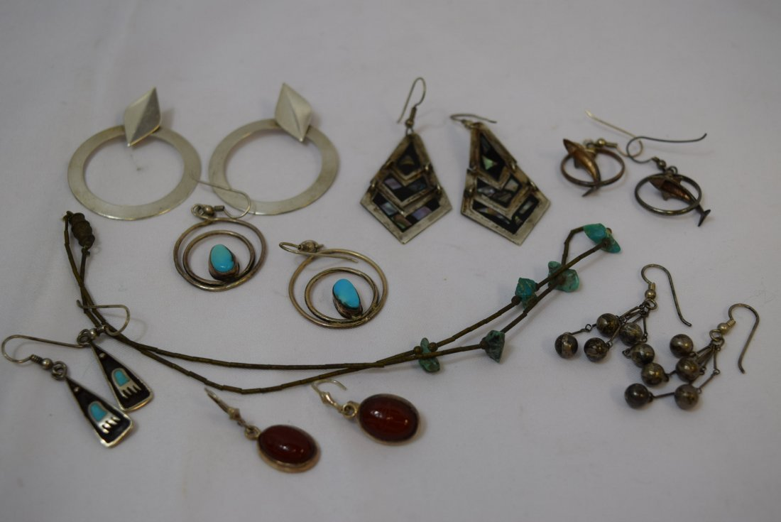 7 PAIRS OF VARIOUS STERLING EARRINGS AND 1 NECKLAC