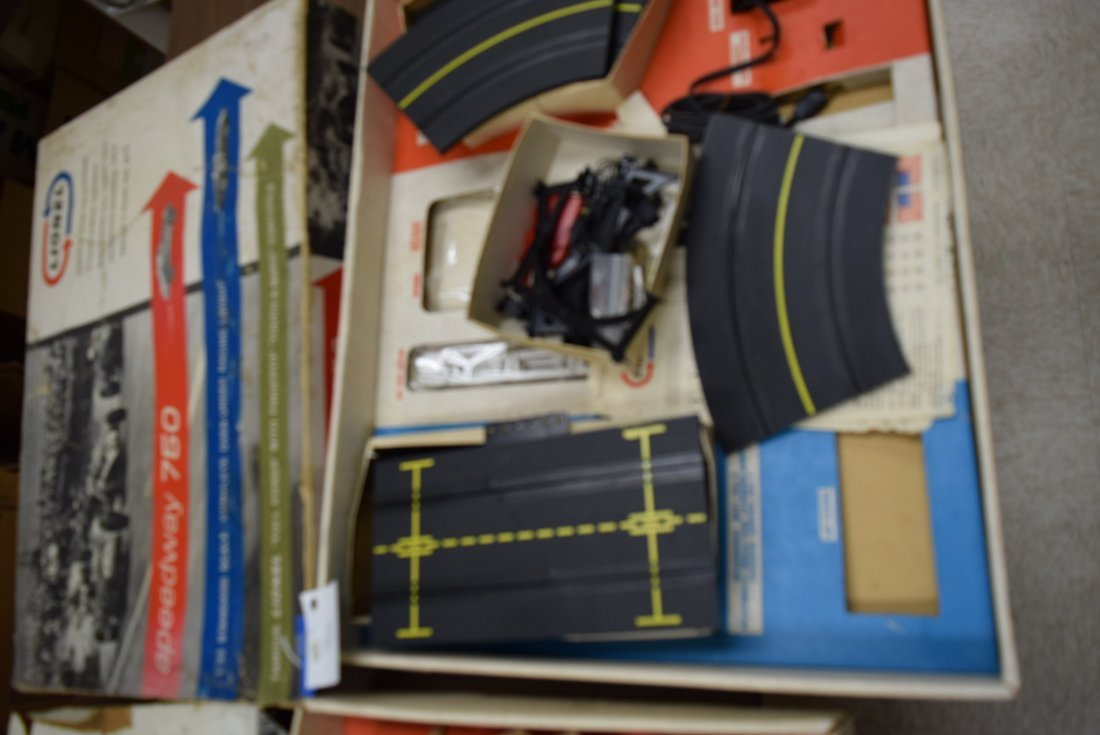2 LIONEL RACING SETS & MODEL PAINT AND ACCESSORIES - 4
