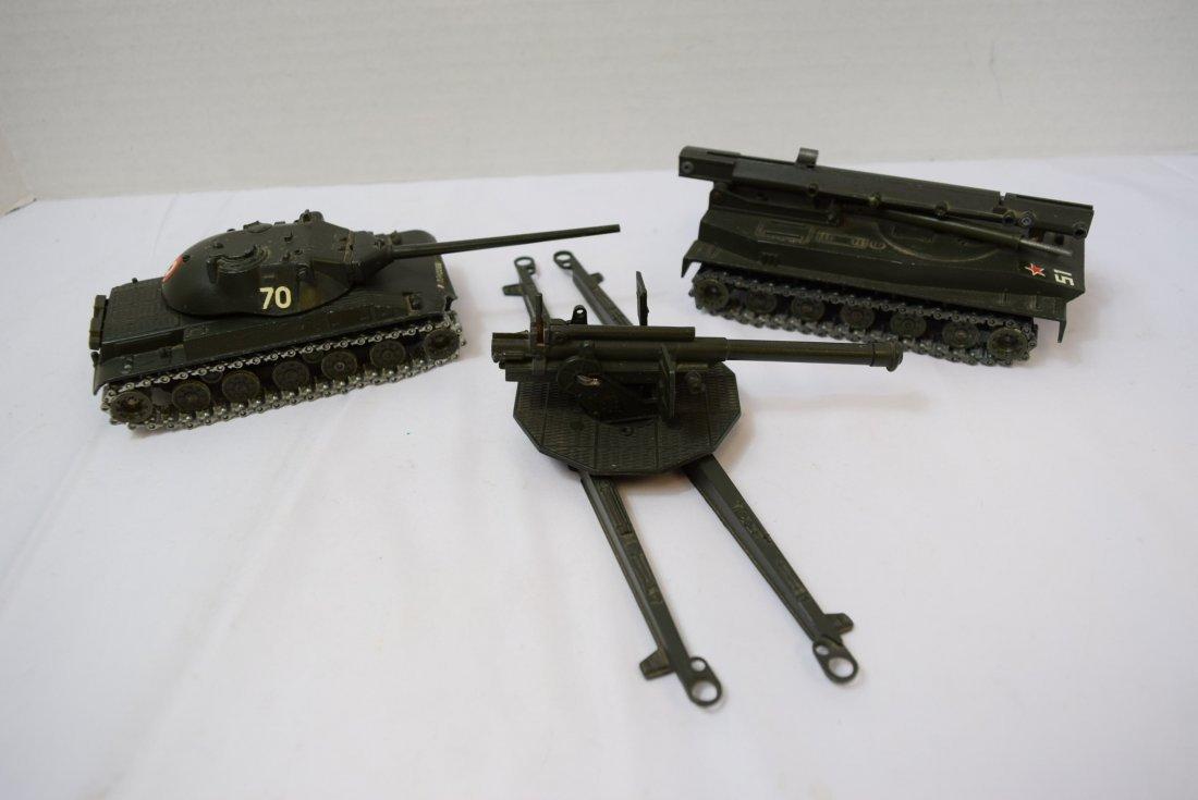 2 SOLIDO TANK; ROCKET LAUNCHER & 1 ARTILLERY GUN