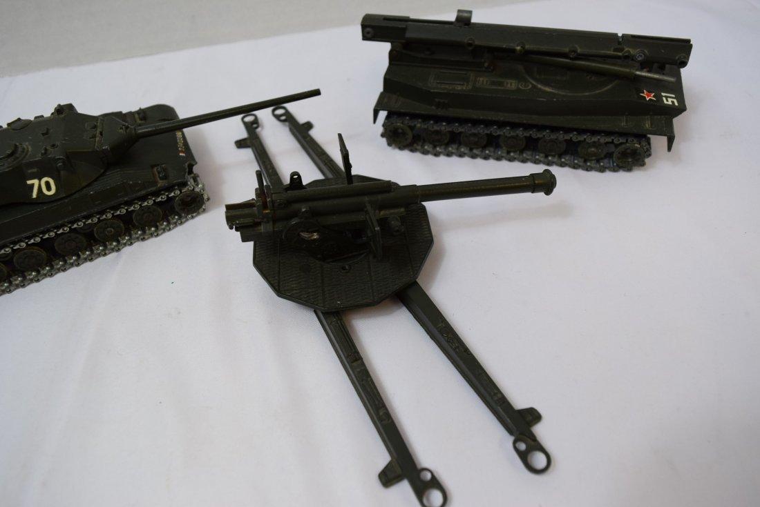 2 SOLIDO TANK; ROCKET LAUNCHER & 1 ARTILLERY GUN - 4