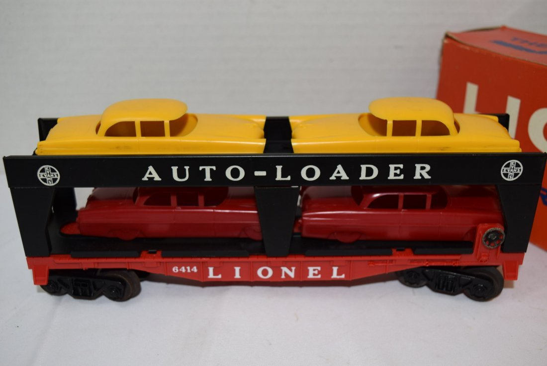 LIONEL AUTOMOBILE TRANSPORT CAR WITH 4 CARS - 2
