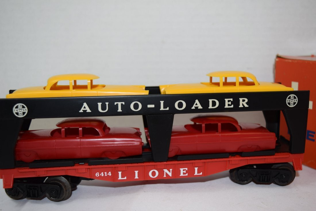 LIONEL AUTOMOBILE TRANSPORT CAR WITH 4 CARS - 3