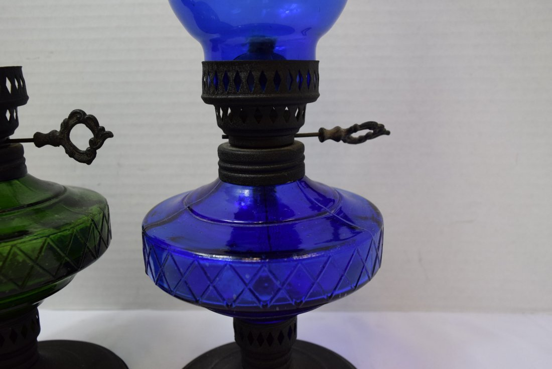 2 COLORED GLASS OIL LAMPS - 3