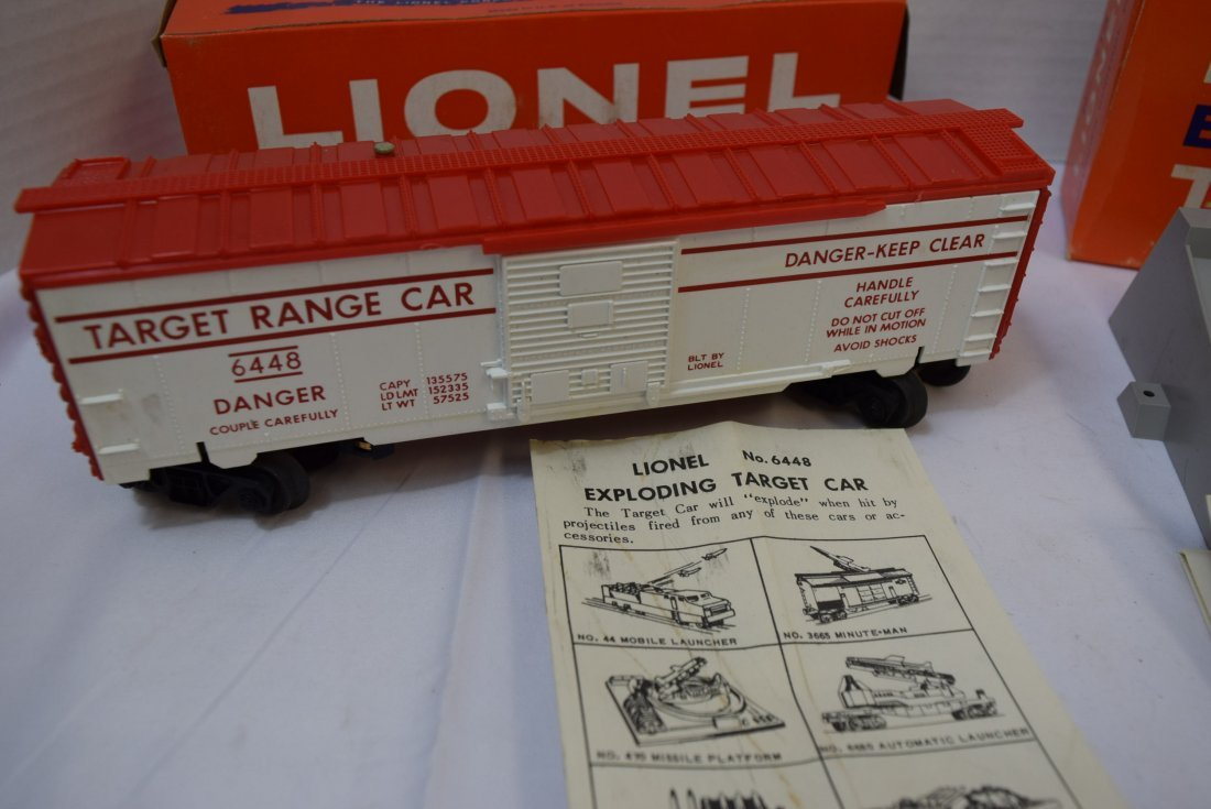 VINTAGE LIONEL TRAIN; EXPLODING TARGET CAR  AND CO - 2