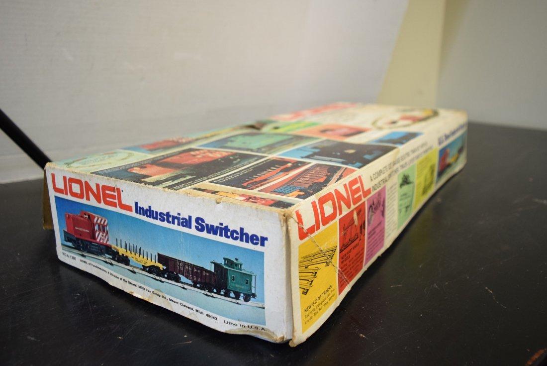 1970S LIONEL US STEEL INDUSTRIAL SWITCHER SET - 4