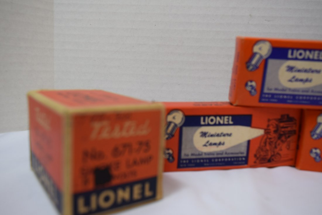 6 VARIOUS BOXES OF LIONEL LAMPS - 3