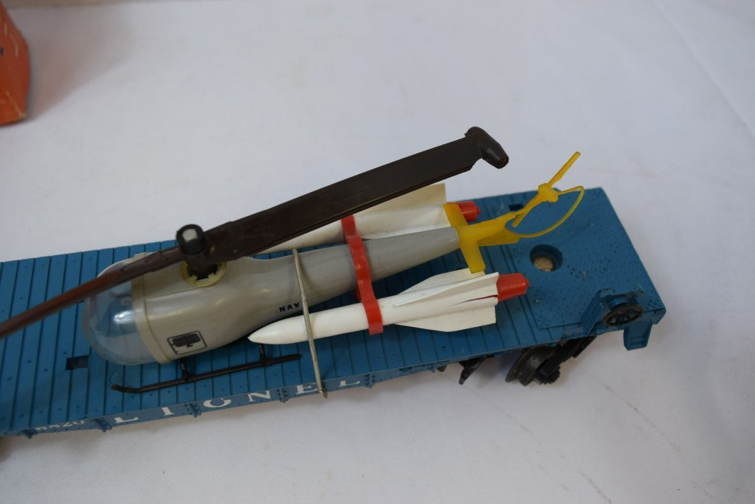 LIONEL FLAT CAR WITH HELICOPTER & MISSILES 6820 - 4