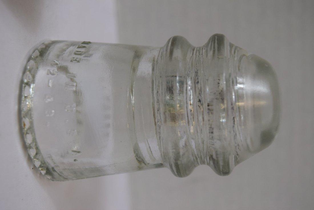 2 VINTAGE DOOR KNOBS & 2 GLASS HEMINGRAY INSULATOR - 4
