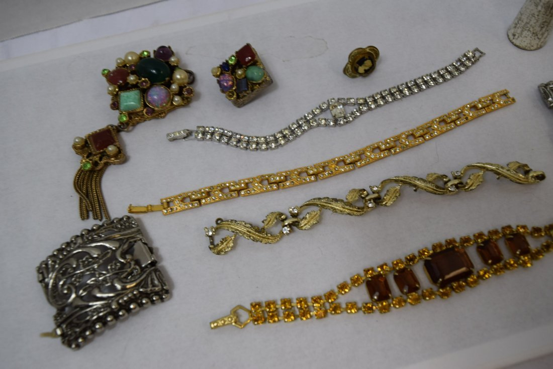 4 BRACELET LOT AND MORE - 2