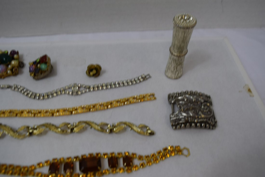 4 BRACELET LOT AND MORE - 5
